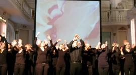 """""""Spiegelungen"""" - Performance und Video, Aula der Alten Universität Graz 2010"""