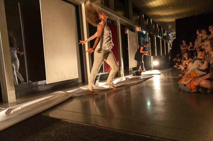 Rote Stille_Performance_Bühnenwerkstatt_2016